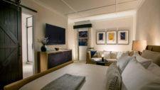 Manor Guestroom