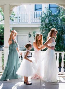 Bridal party prepping