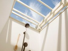 Guestroom outdoor shower with sky view