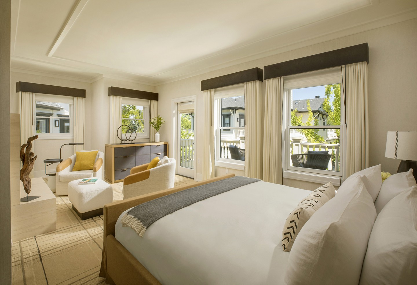Guestroom with private balcony
